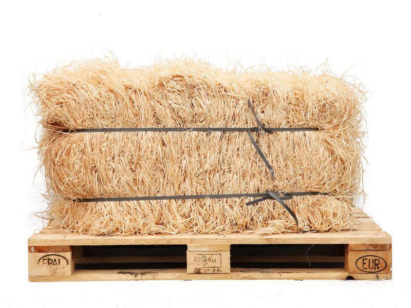 Dřevitá vlna v balíku na paletě